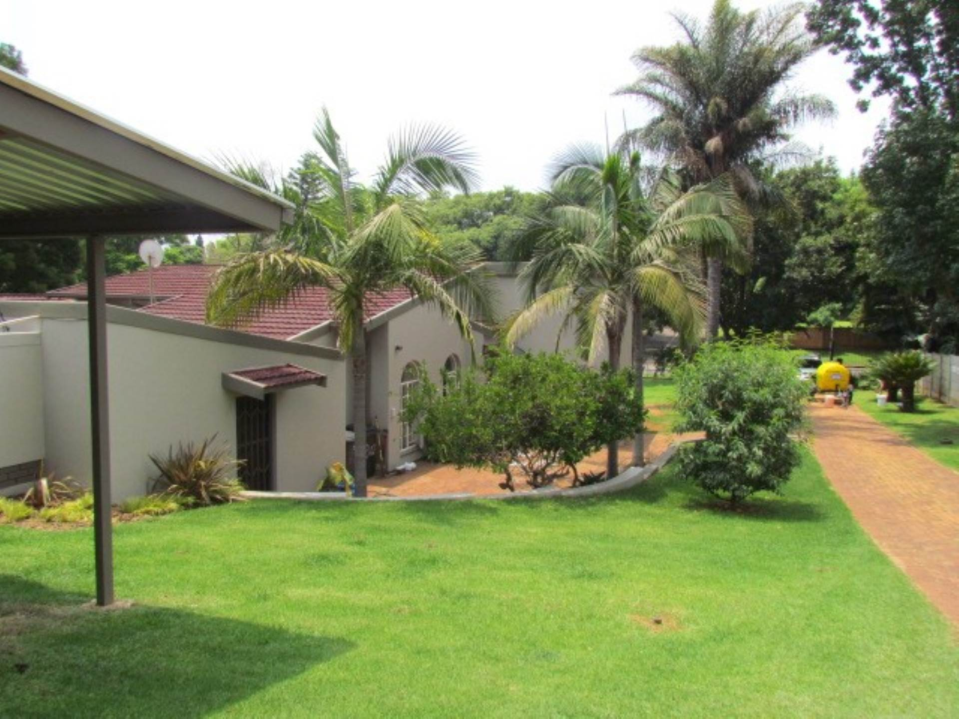 Property and Houses for sale in Erasmusrand, House, 4 Bedrooms - ZAR 2,750,000