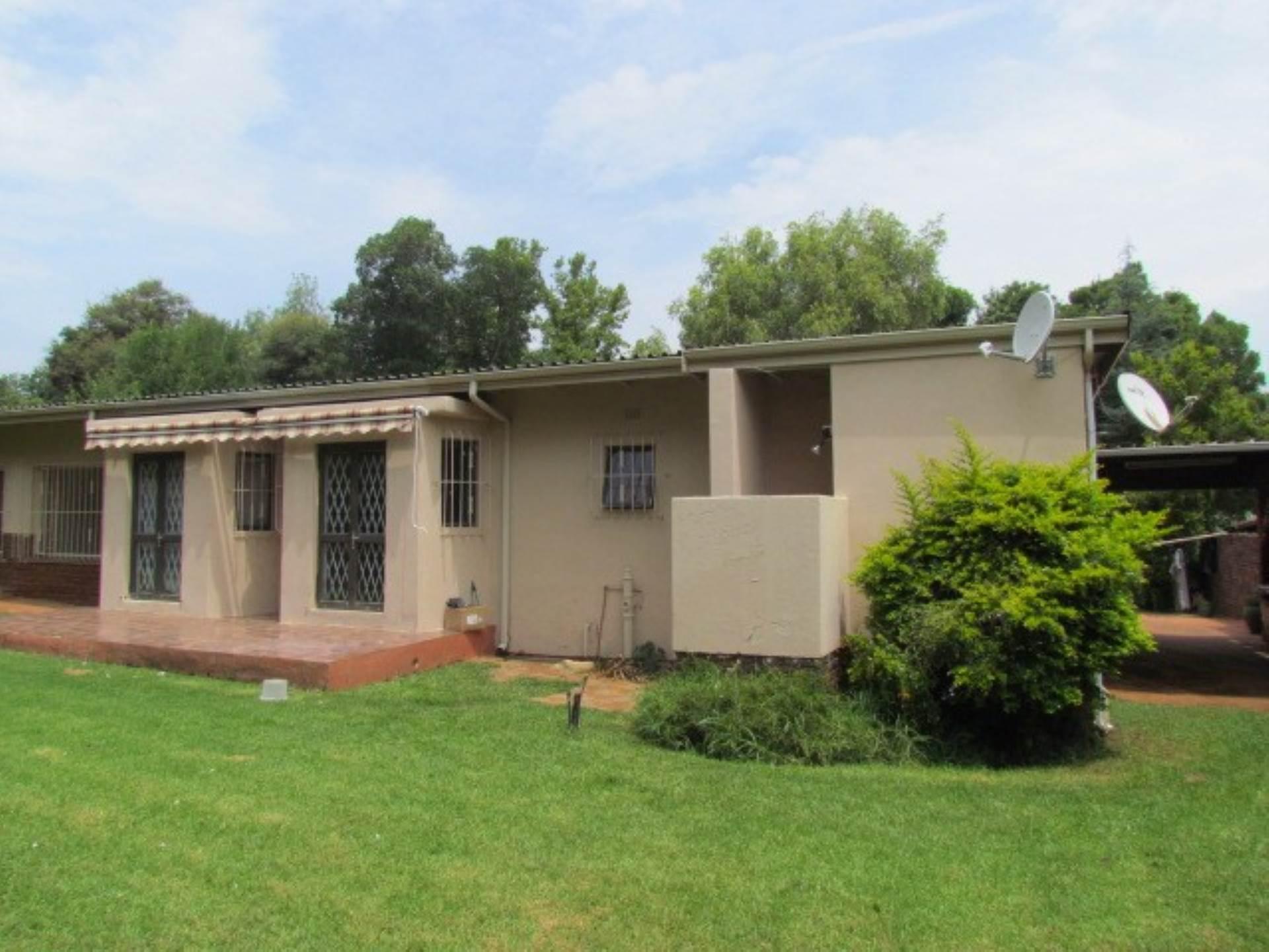 , House, 4 Bedrooms - ZAR 1,895,000