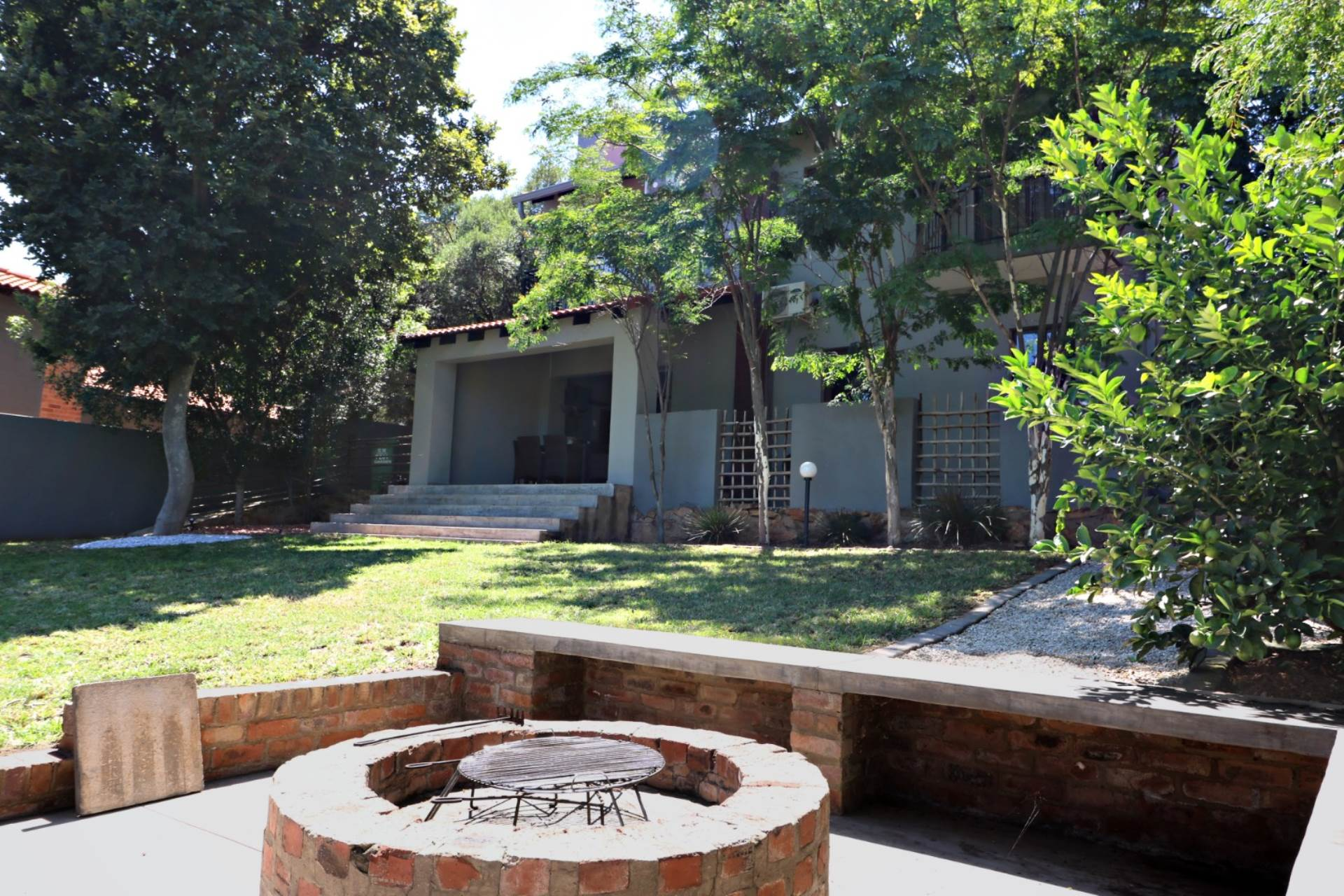 Property and Houses for sale in Moreleta Park, House, 4 Bedrooms - ZAR 3,350,000