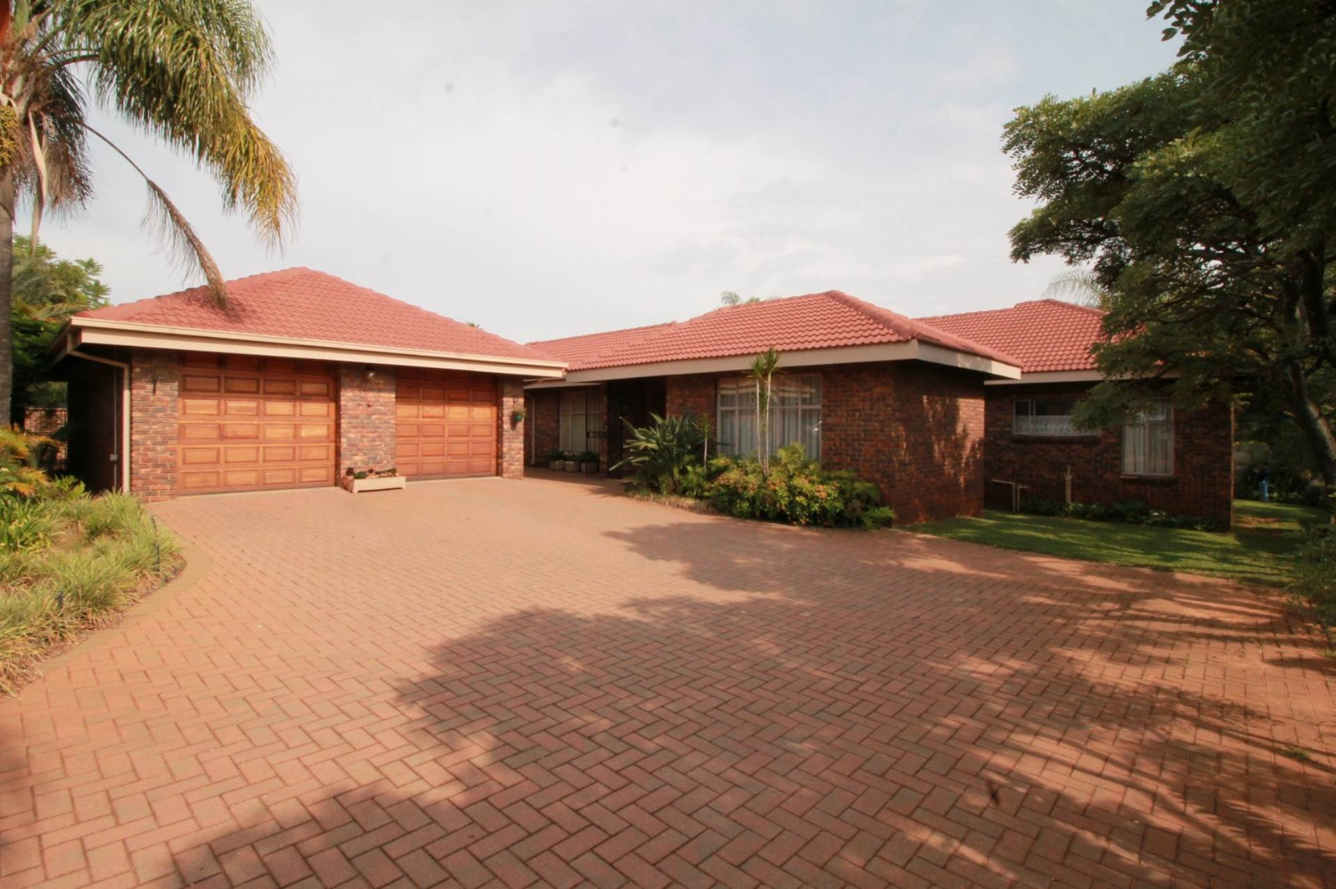 Property and Houses for sale in Ninapark, House, 5 Bedrooms - ZAR 1,870,000