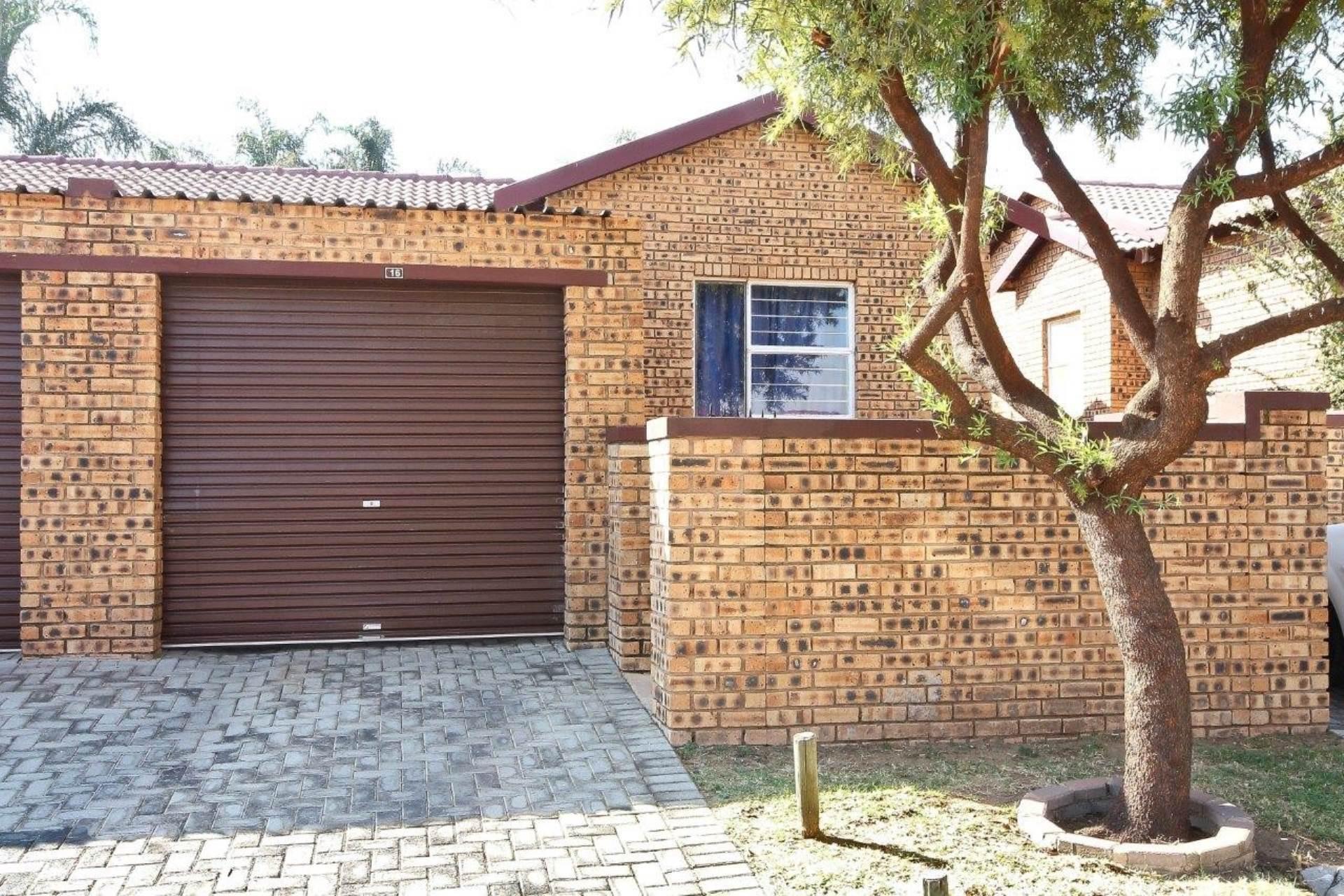 Property in Roodepoort, Krugersdorp, Randburg - West Rand - RE/MAX 2000