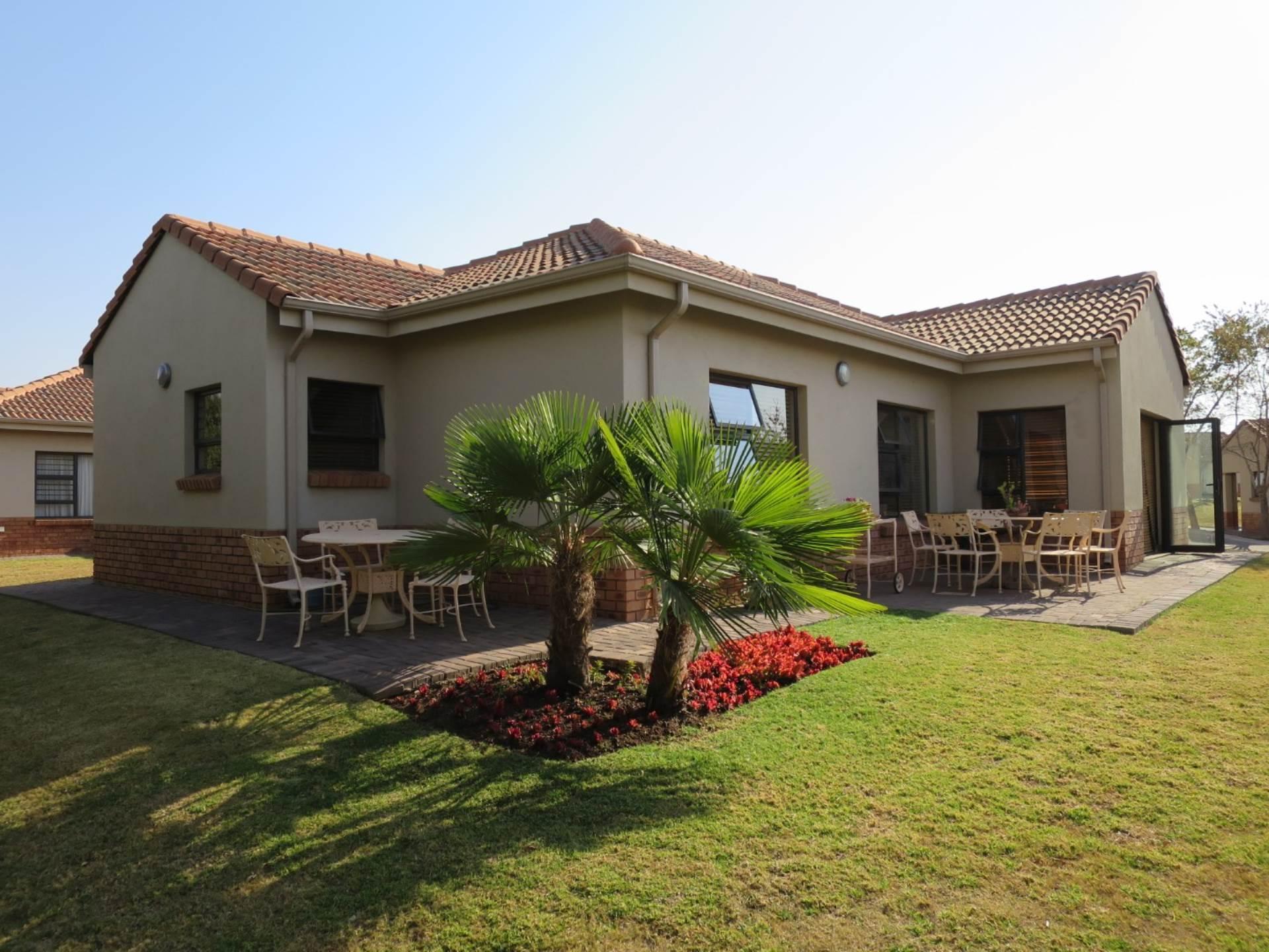 3 Bedroom Retirement Village in The Retreat, Pretoria For Sale for R  2,420,000 #1293795