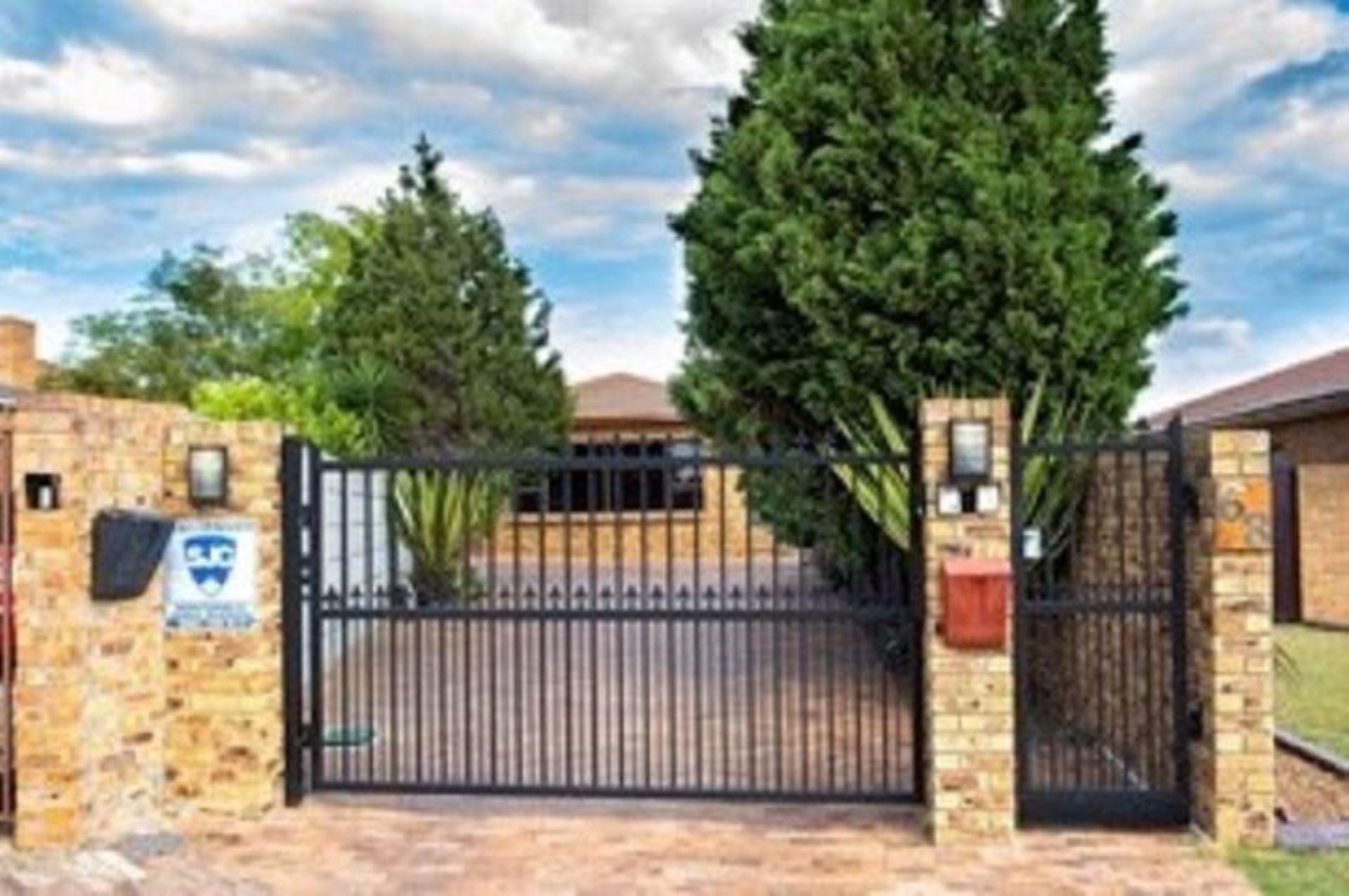 House For Sale in De Oude Spruit