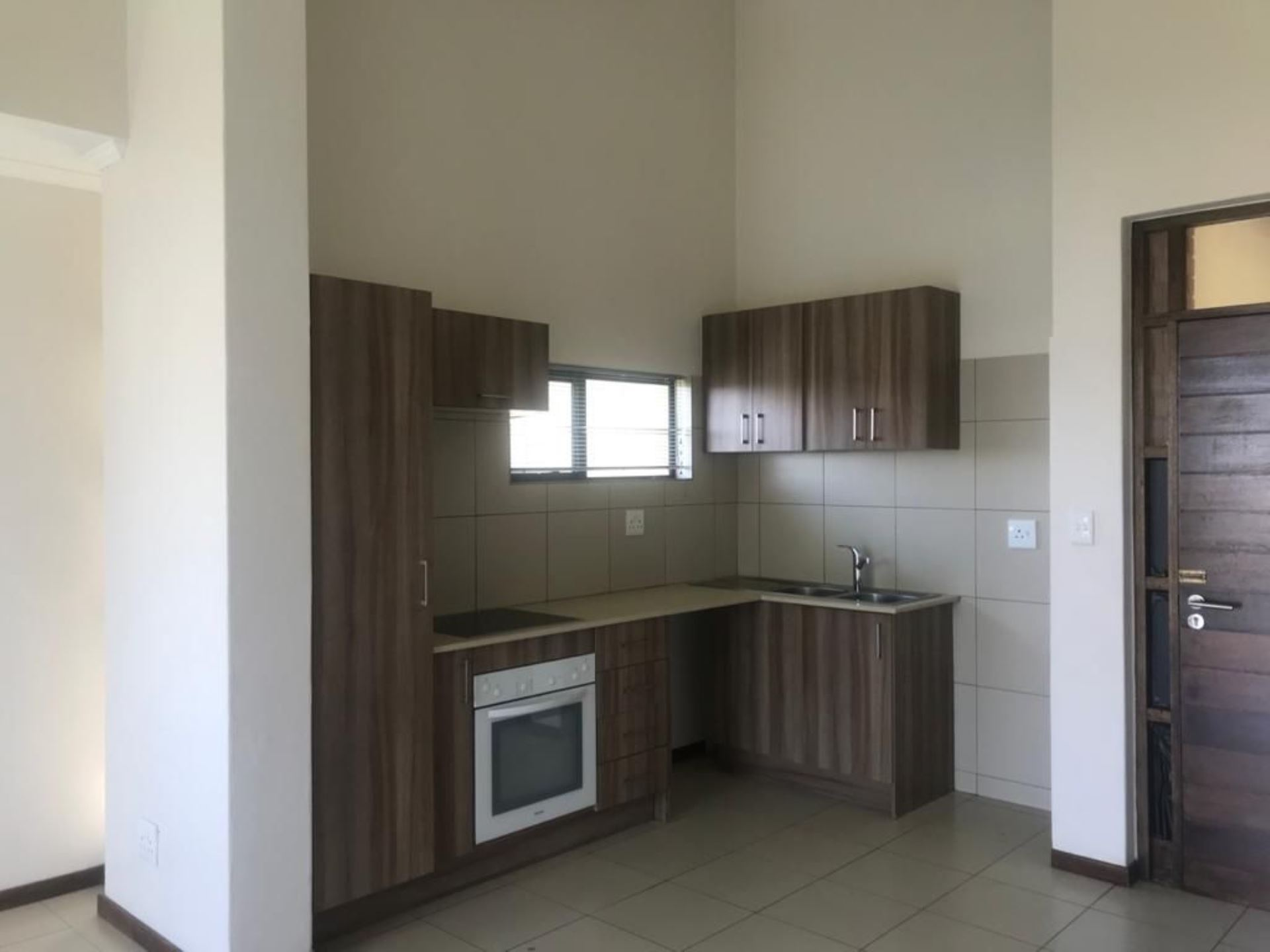 Townhouse Rental Monthly in ZANDSPRUIT