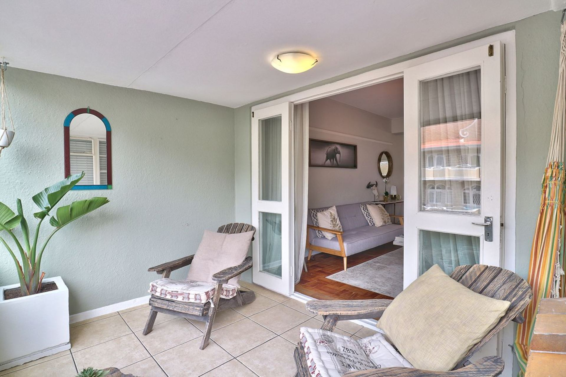 Apartment For Sale in THREE ANCHOR BAY