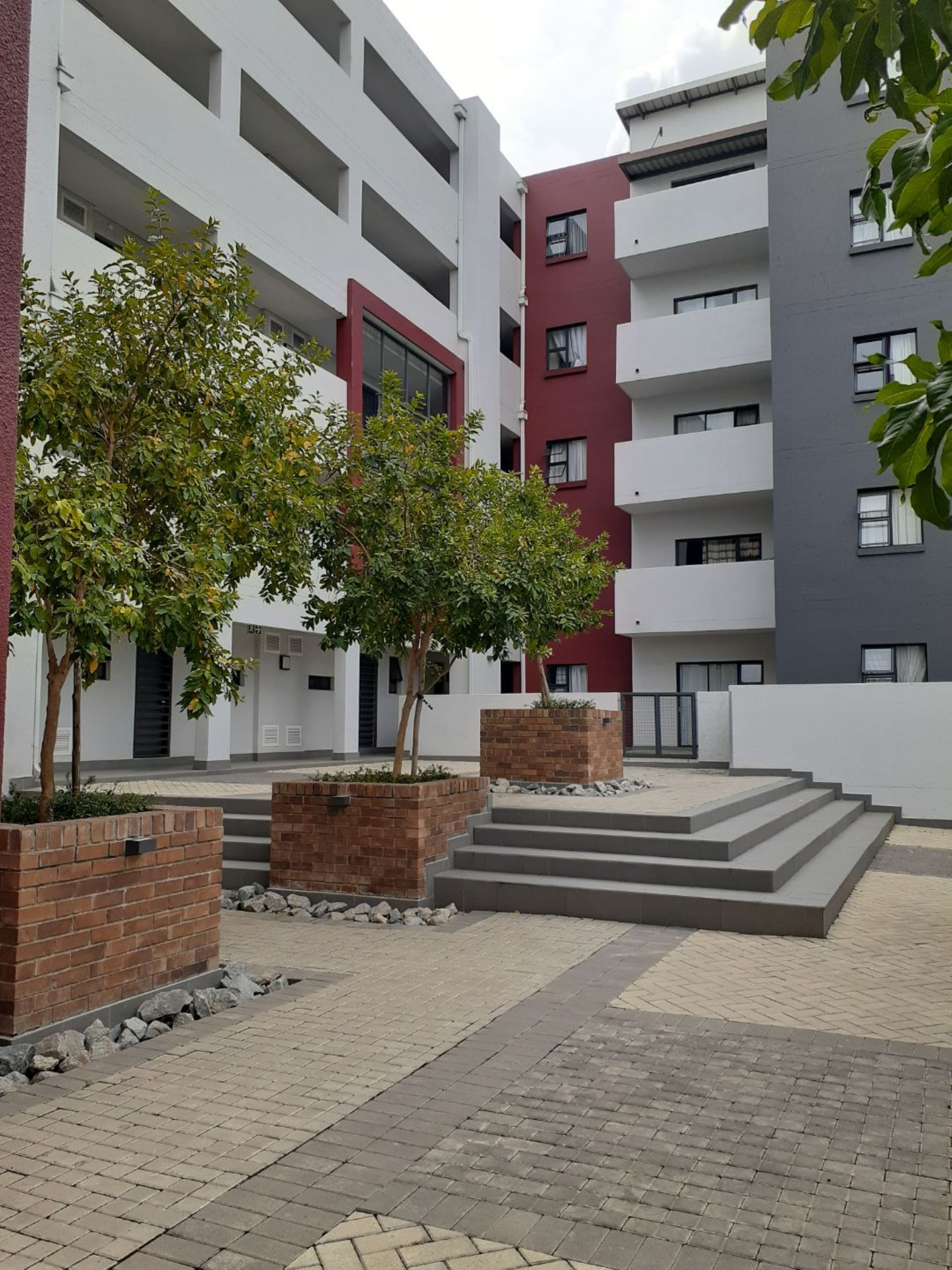 Apartment Rental Monthly in SUNNINGHILL