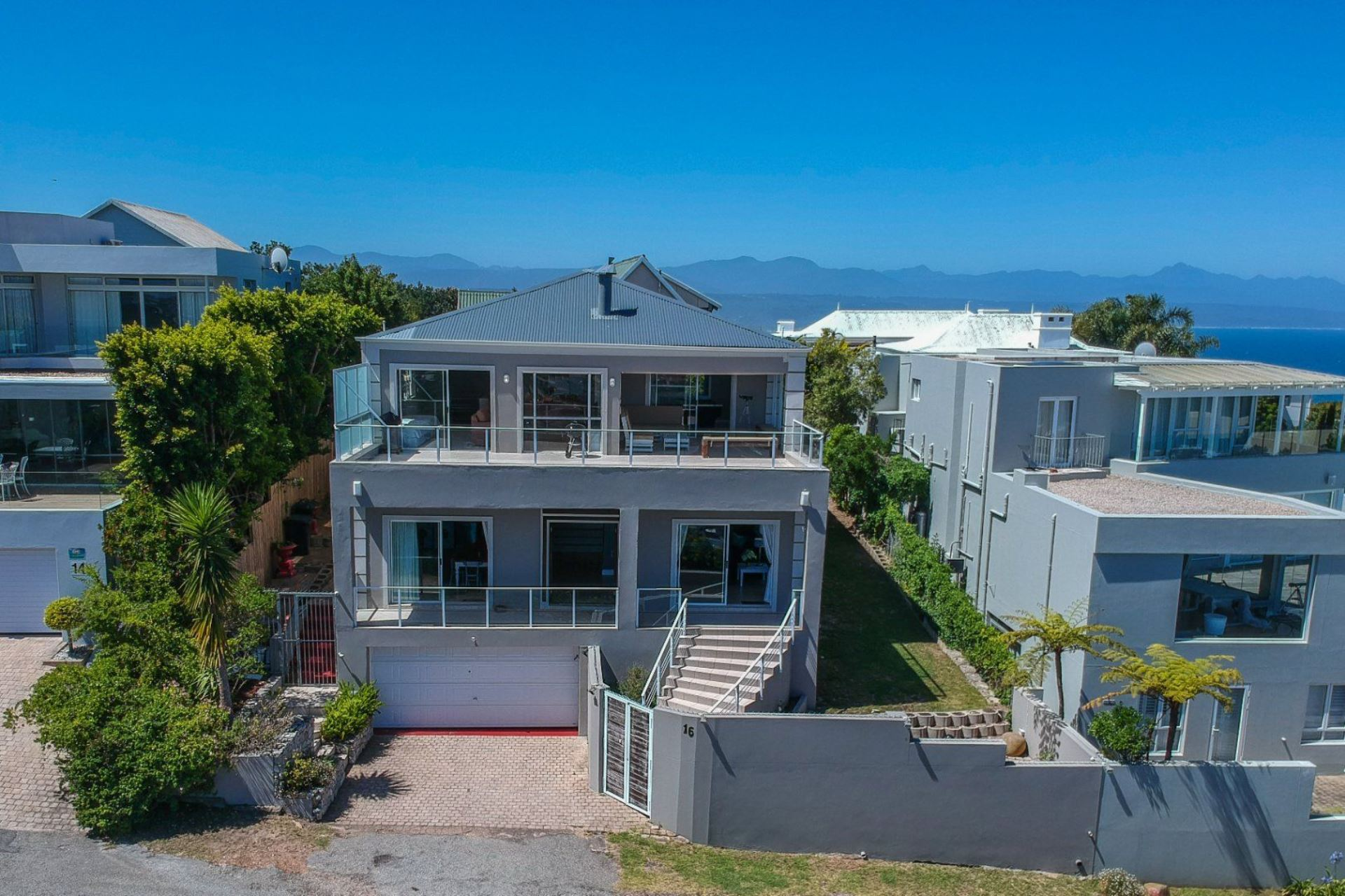 House For Sale in Signal Hill
