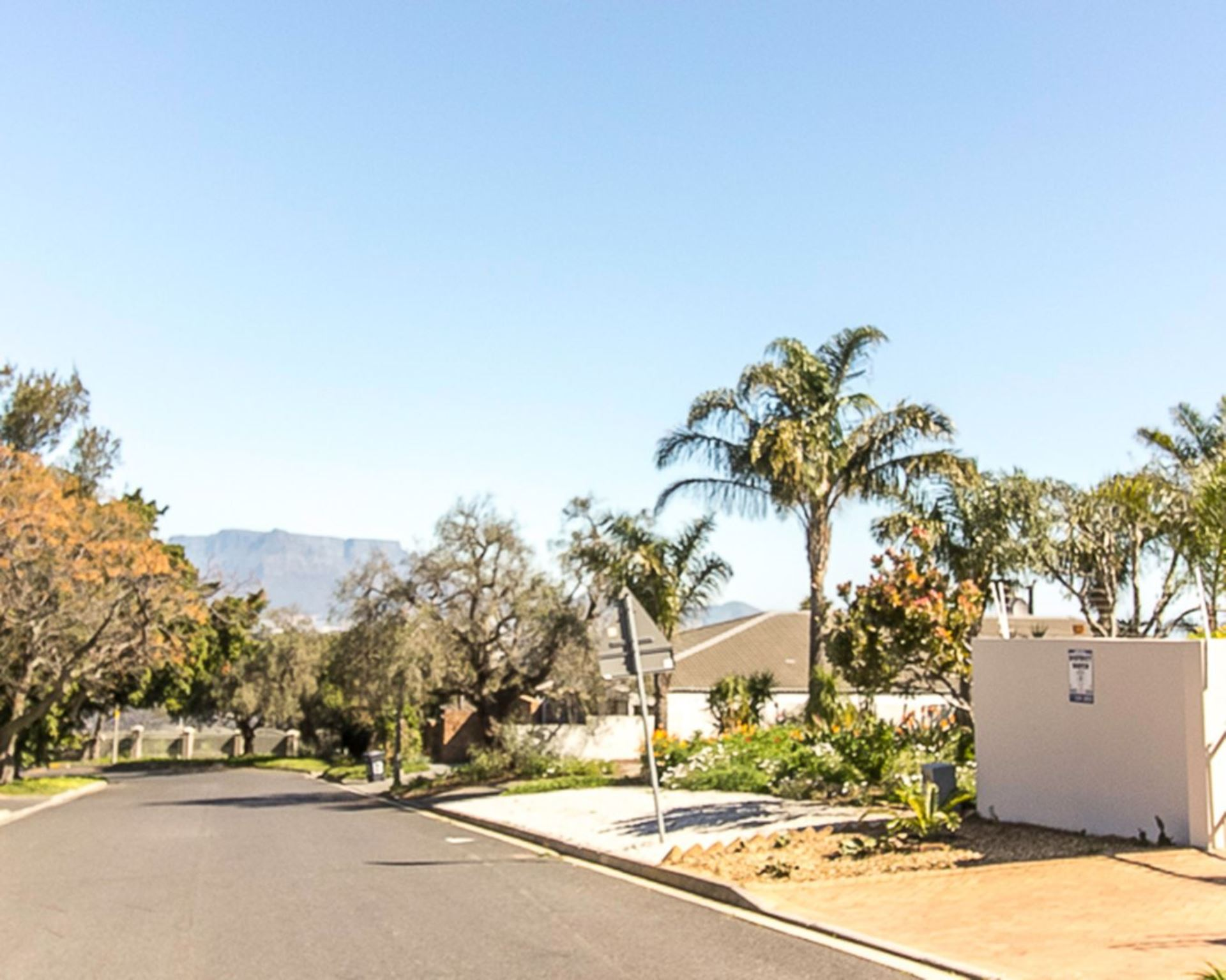 House For Sale in PLATTEKLOOF EXT 1