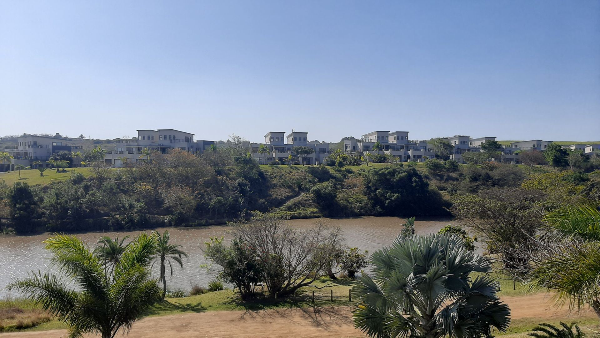 Apartment For Sale in Palm Lakes Estate
