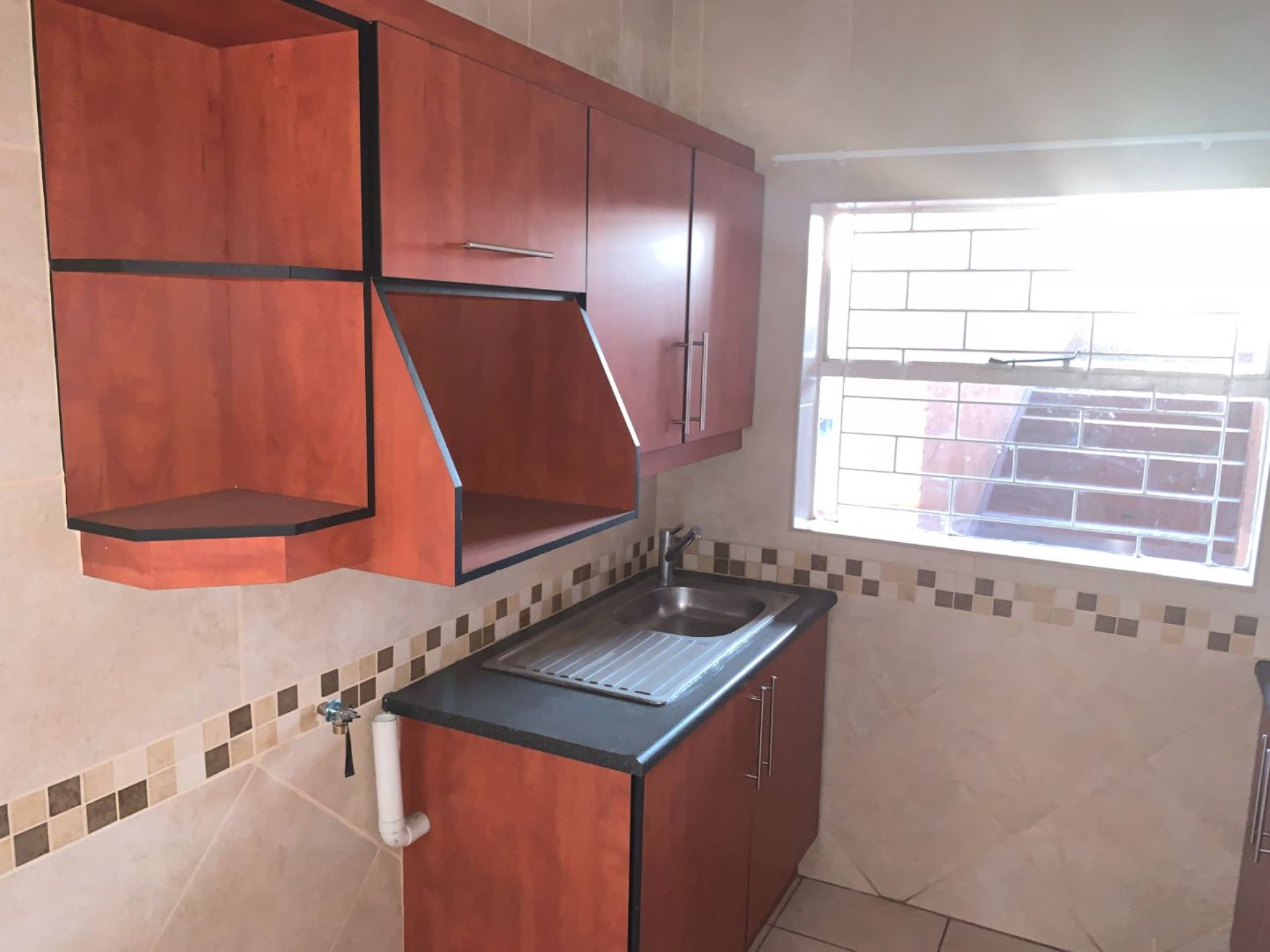 Apartment Rental Monthly in ALBERTON NORTH