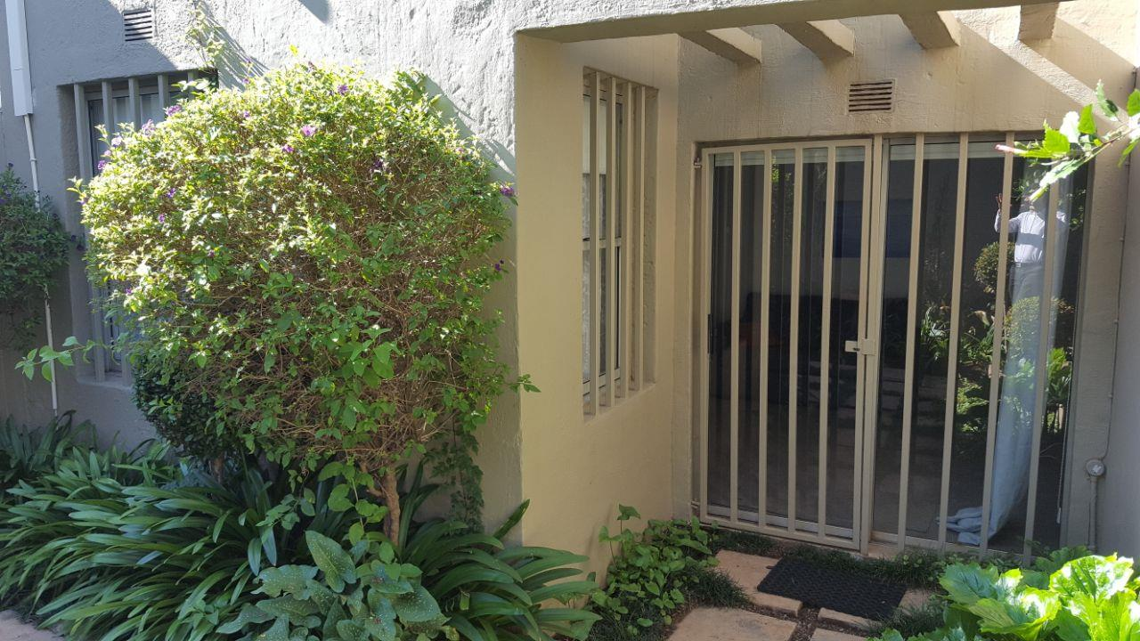 1 BedroomTownhouse To Rent In Parkhurst
