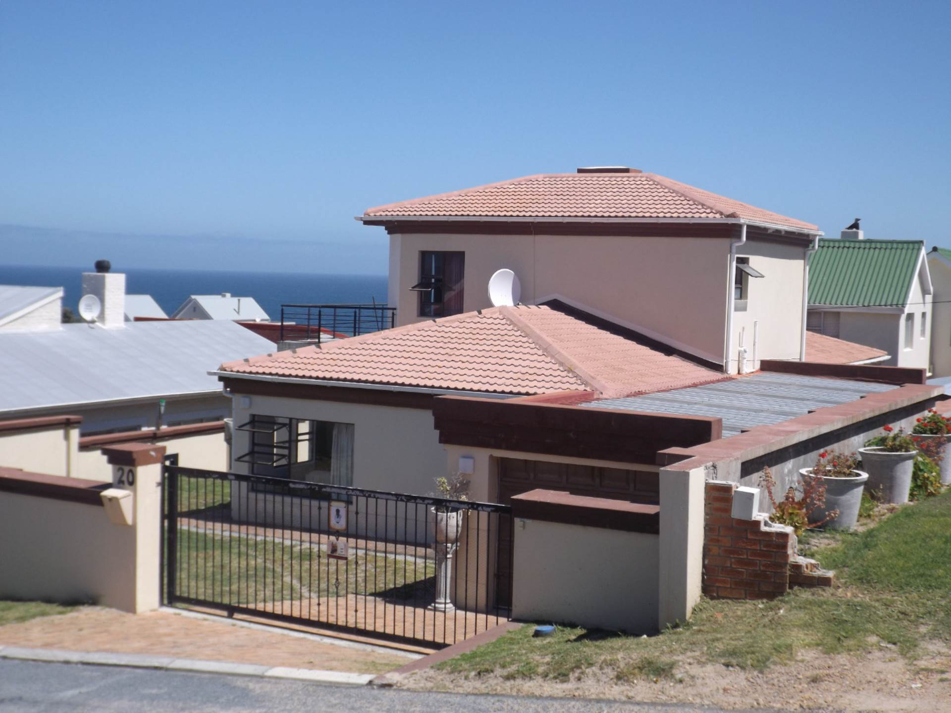 3 BedroomHouse For Sale In De Kelders