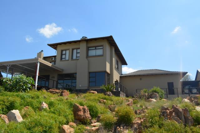 6 BedroomHouse For Sale In Aqua Vista