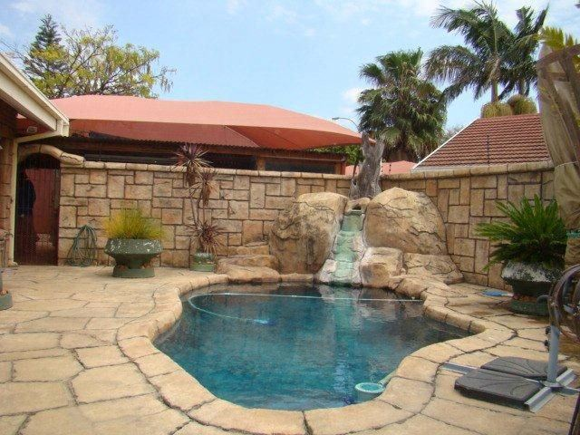 3 BedroomHouse For Sale In Ivy Park