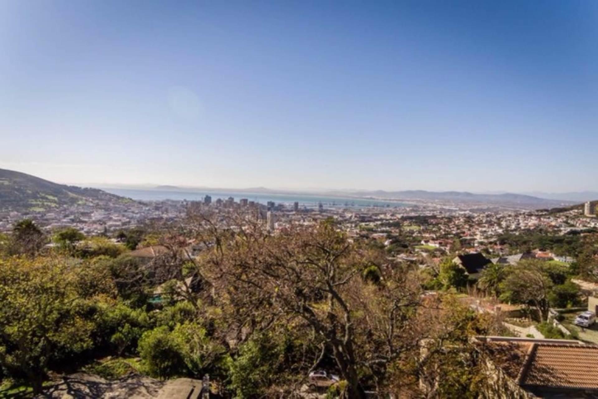 Oranjezicht property for sale. Ref No: 13475188. Picture no 40