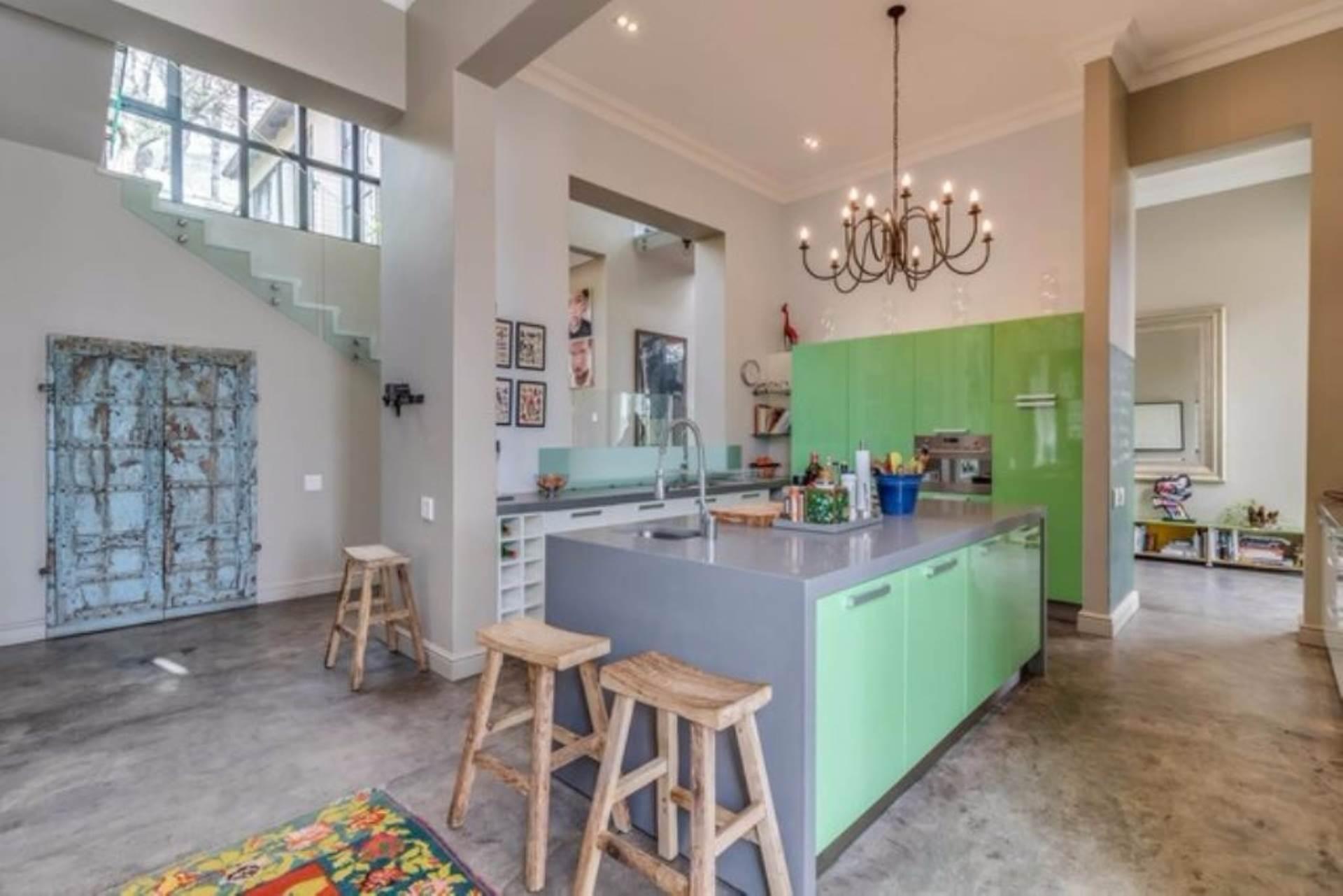 Oranjezicht property for sale. Ref No: 13475188. Picture no 11