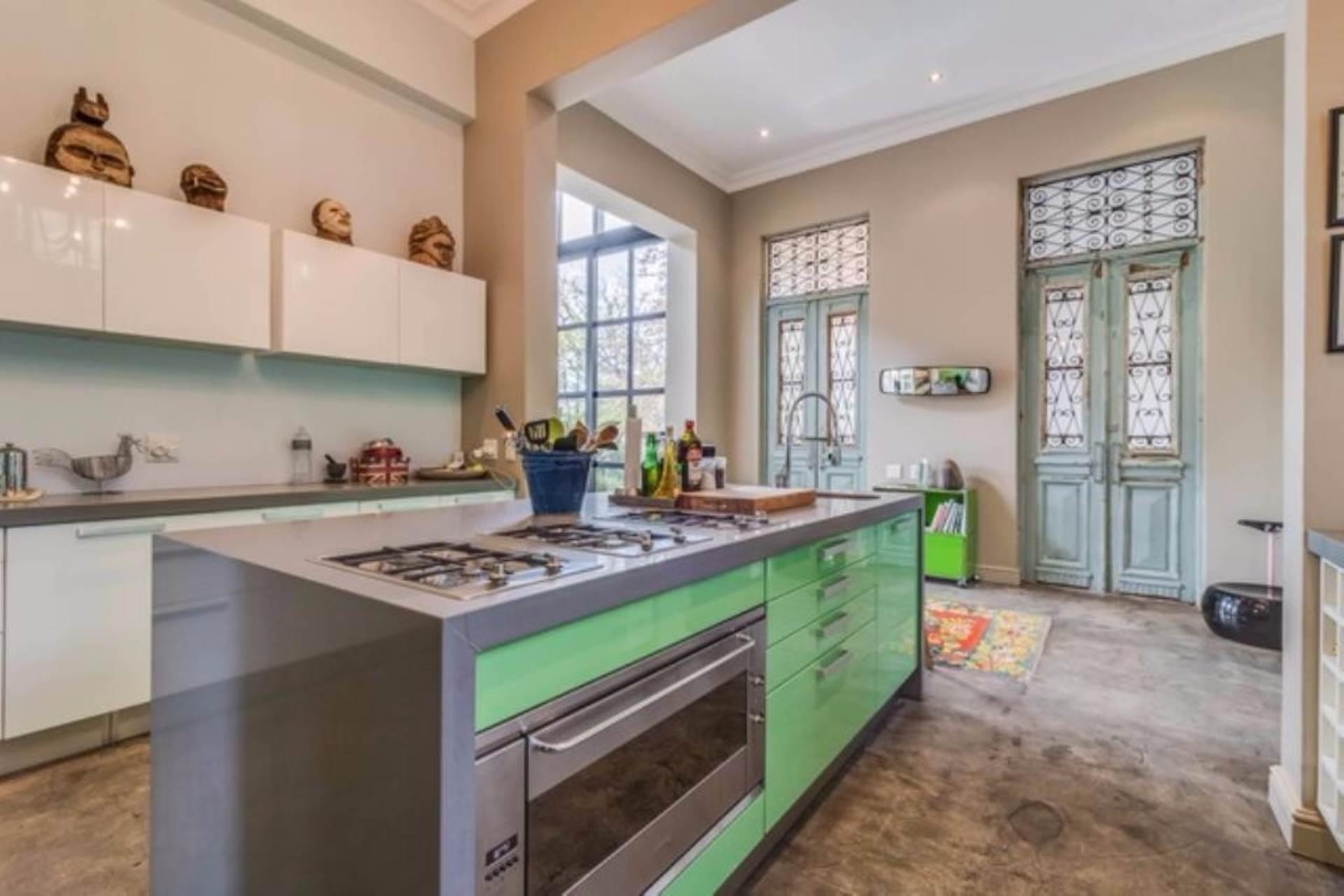 Oranjezicht property for sale. Ref No: 13475188. Picture no 10