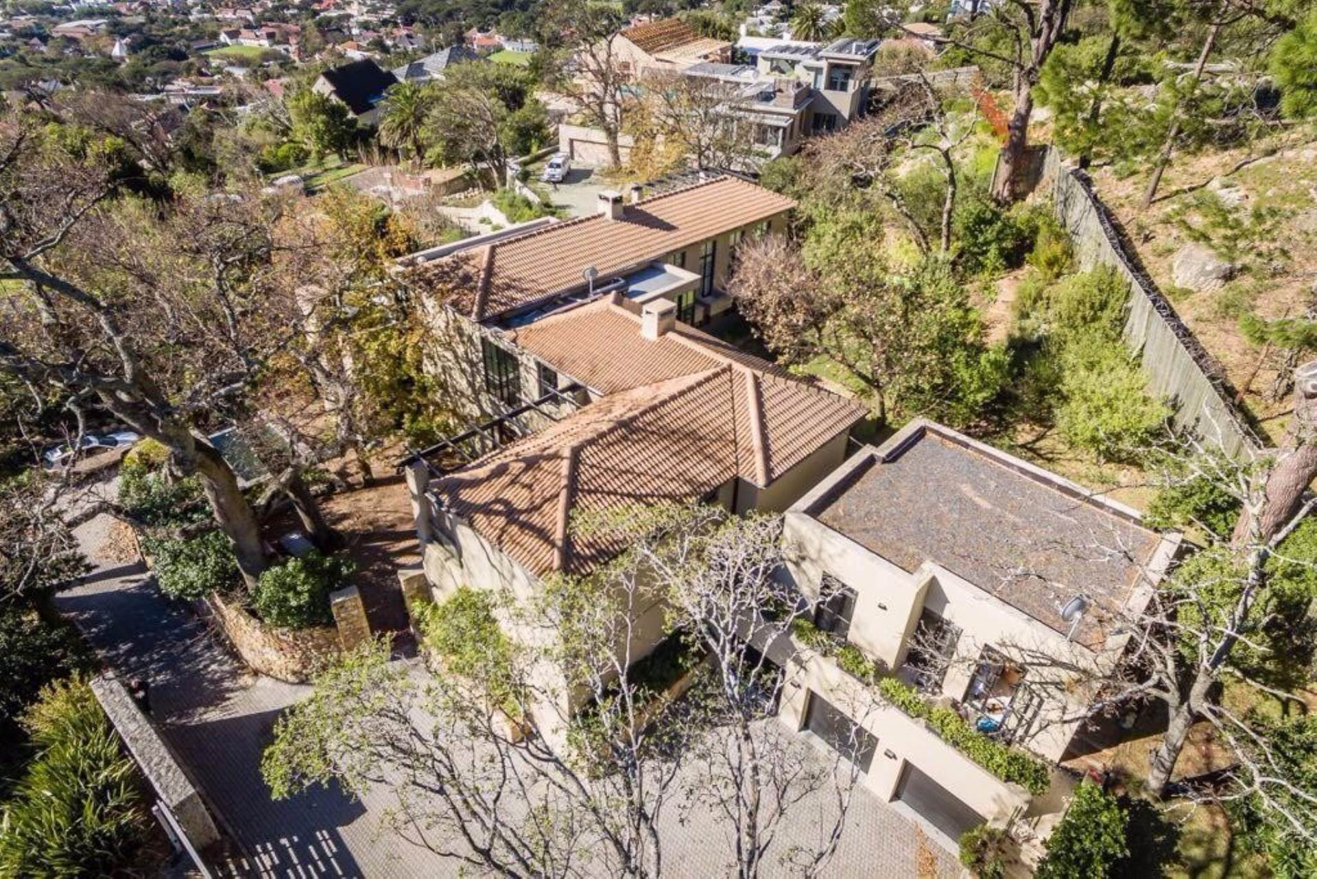 Oranjezicht property for sale. Ref No: 13475188. Picture no 2