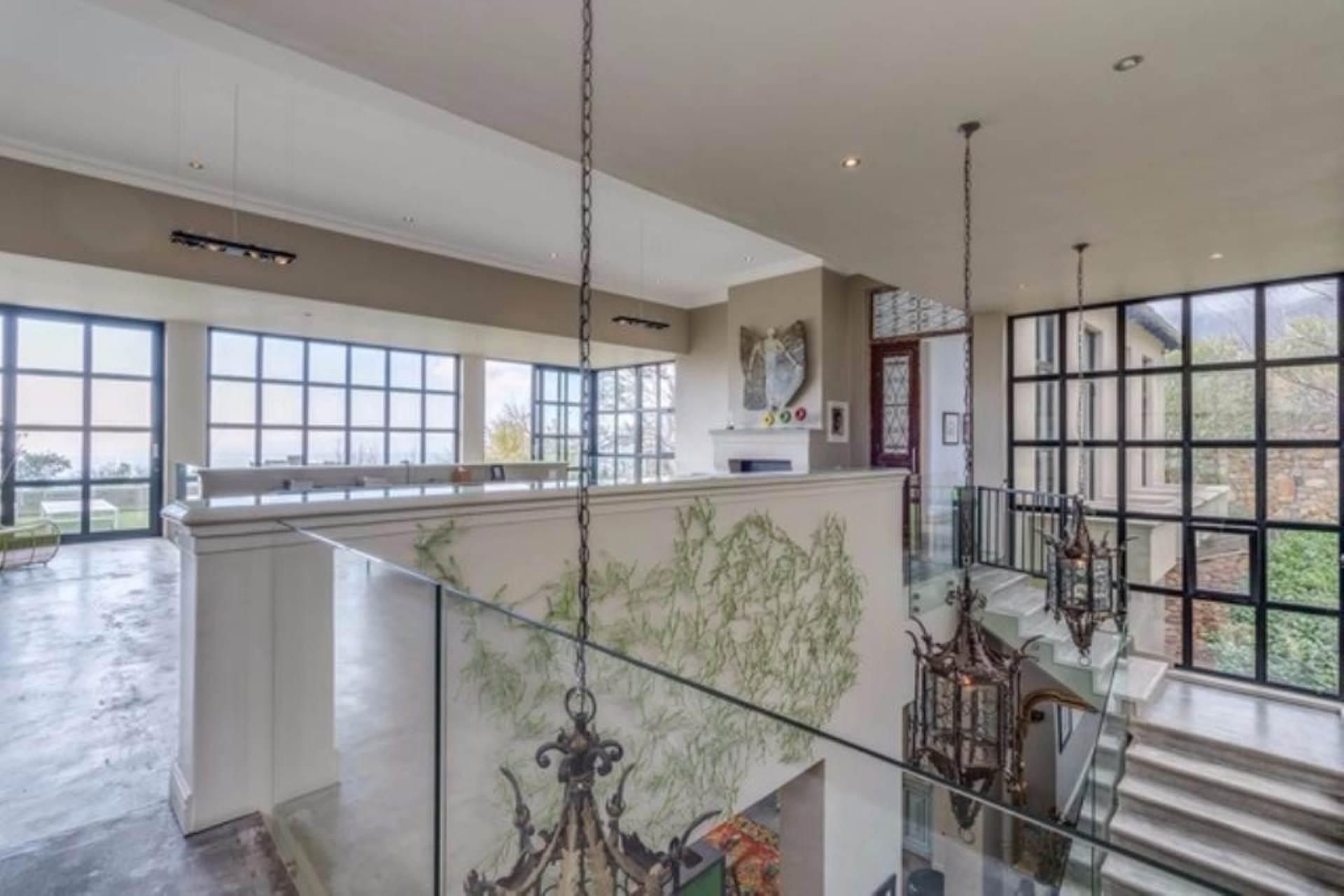 Oranjezicht property for sale. Ref No: 13475188. Picture no 20