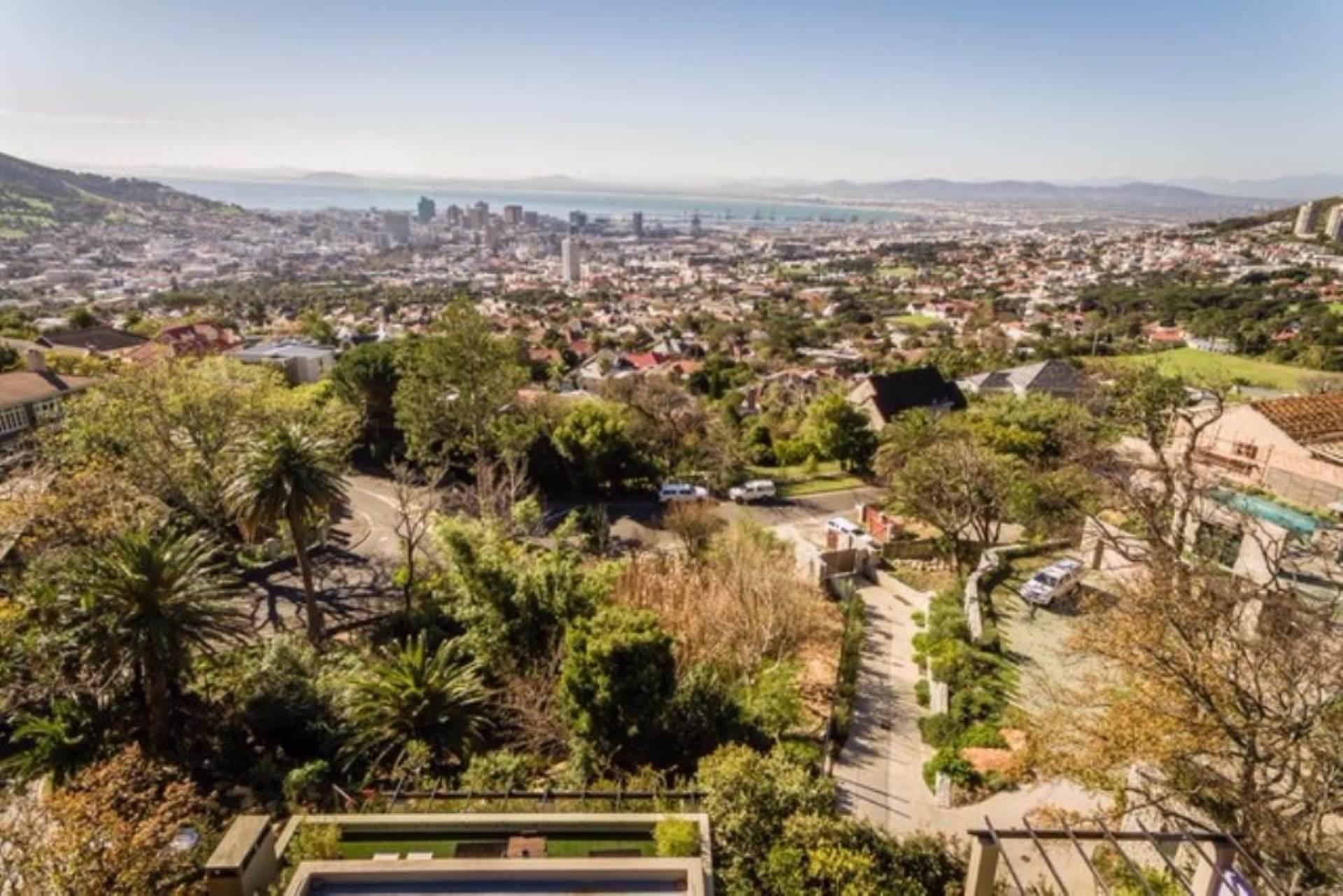 Oranjezicht property for sale. Ref No: 13475188. Picture no 39