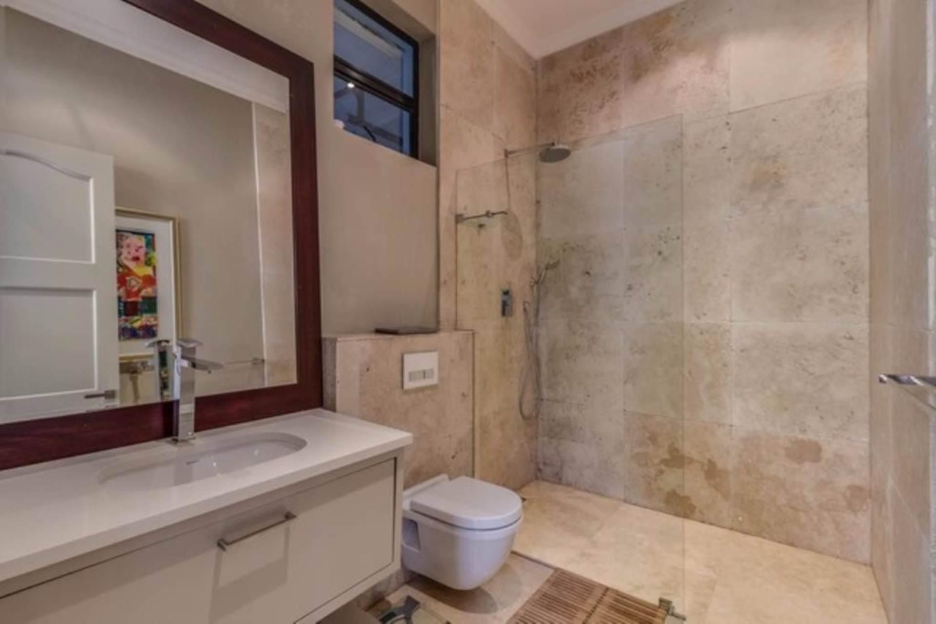 Oranjezicht property for sale. Ref No: 13475188. Picture no 15