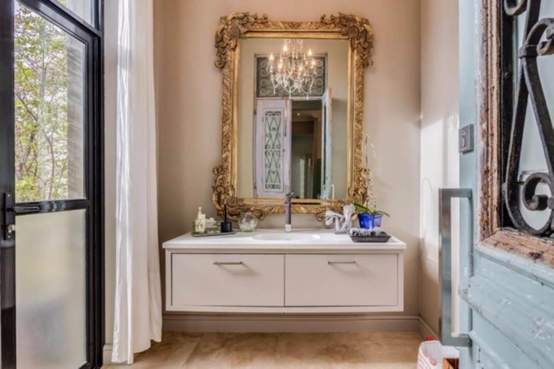 Oranjezicht property for sale. Ref No: 13475188. Picture no 30