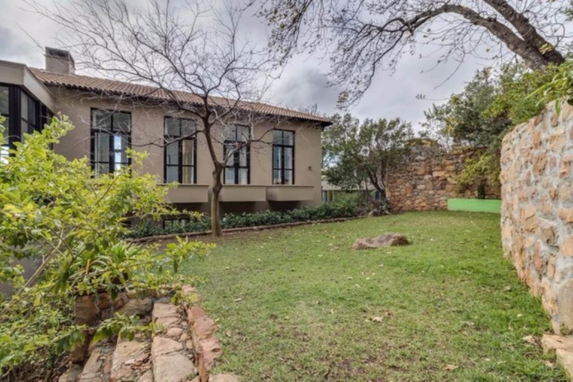 Oranjezicht property for sale. Ref No: 13475188. Picture no 37