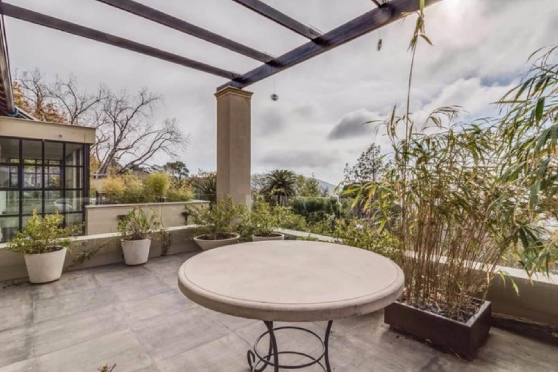 Oranjezicht property for sale. Ref No: 13475188. Picture no 32