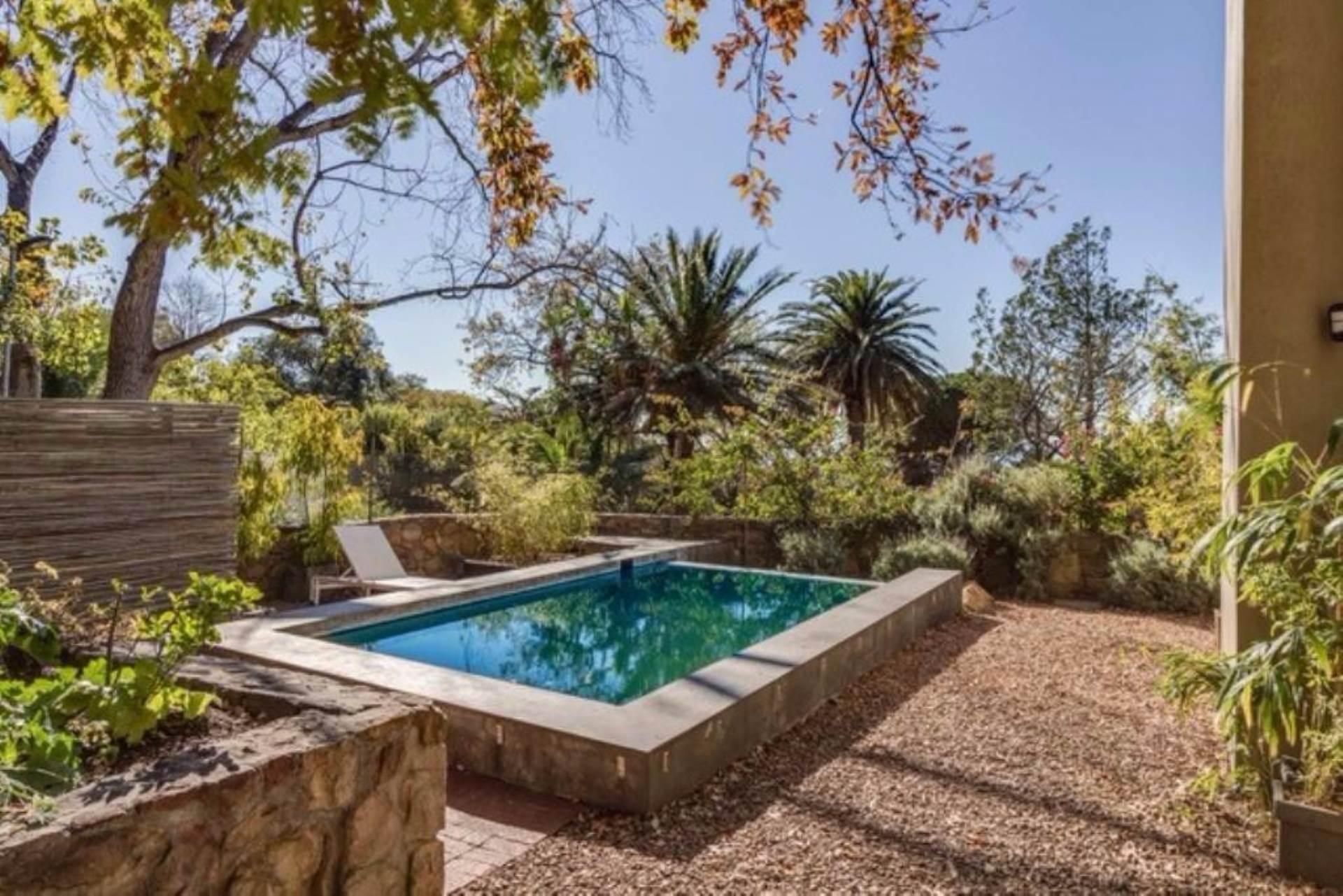 Oranjezicht property for sale. Ref No: 13475188. Picture no 34