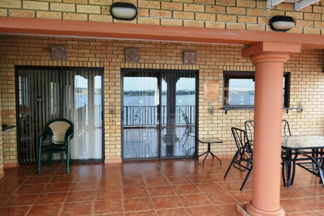 3 BedroomHouse For Sale In Bronkhorstbaai