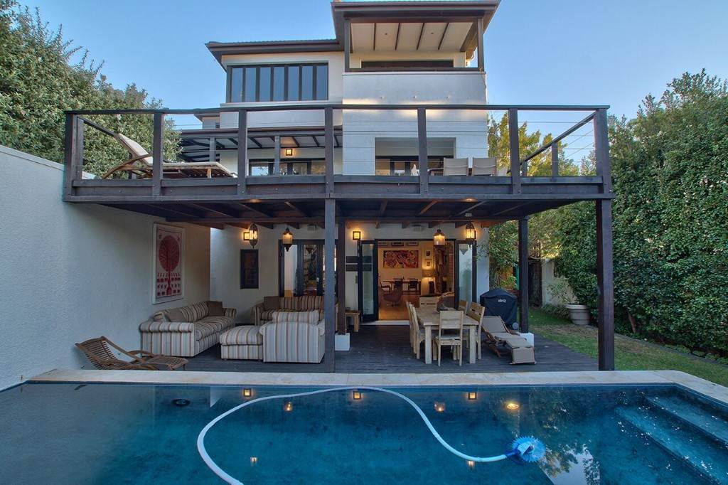 Camps Bay property to rent. Ref No: 13506840. Picture no 23