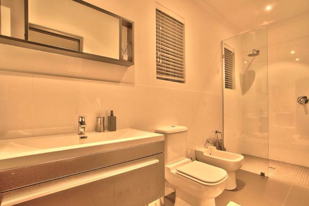 Camps Bay property to rent. Ref No: 13506840. Picture no 47
