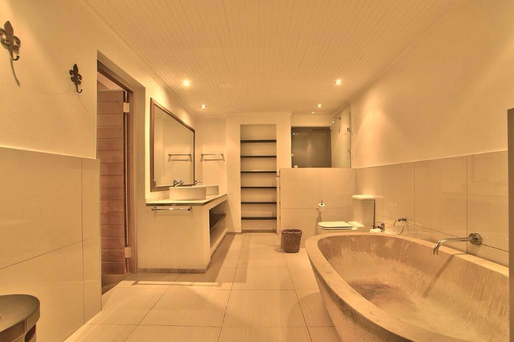 Camps Bay property to rent. Ref No: 13506840. Picture no 45