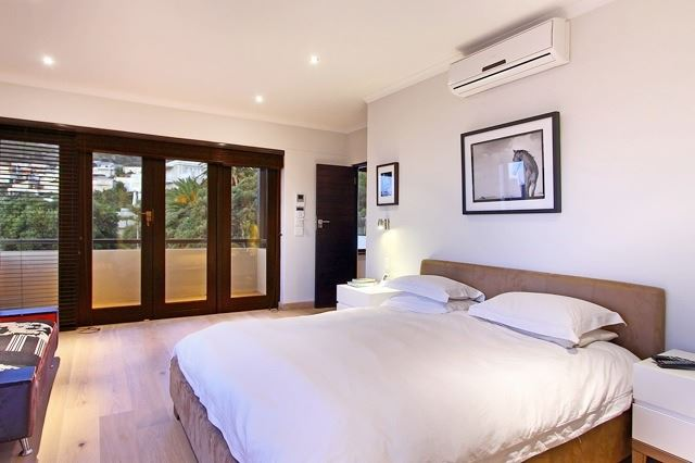 Camps Bay property to rent. Ref No: 13506840. Picture no 4