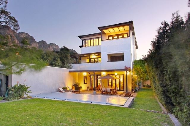 Camps Bay property to rent. Ref No: 13506840. Picture no 16