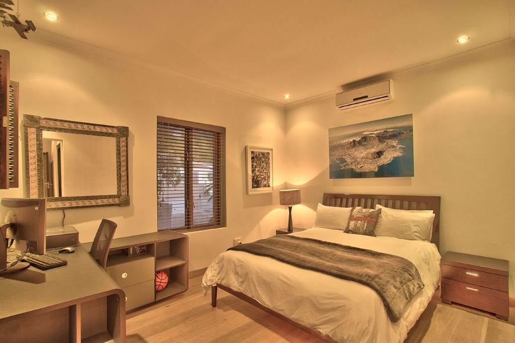 Camps Bay property to rent. Ref No: 13506840. Picture no 38