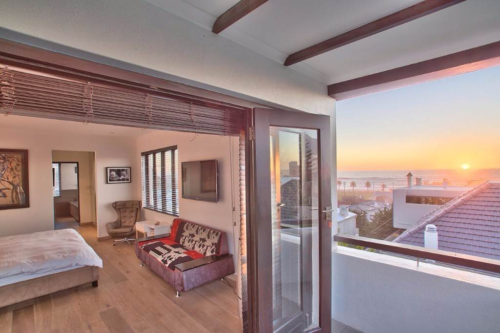 Camps Bay property to rent. Ref No: 13506840. Picture no 32