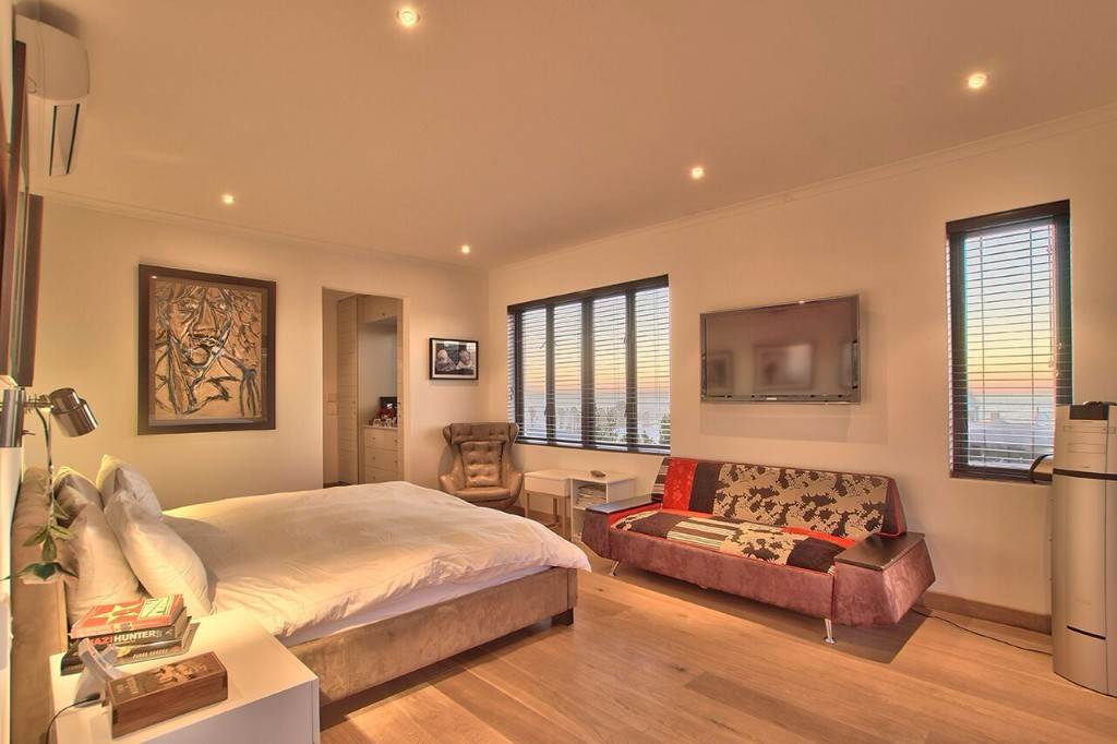 Camps Bay property to rent. Ref No: 13506840. Picture no 37