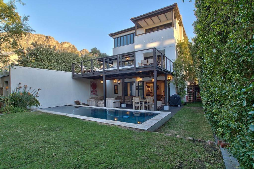 Camps Bay property to rent. Ref No: 13506840. Picture no 22