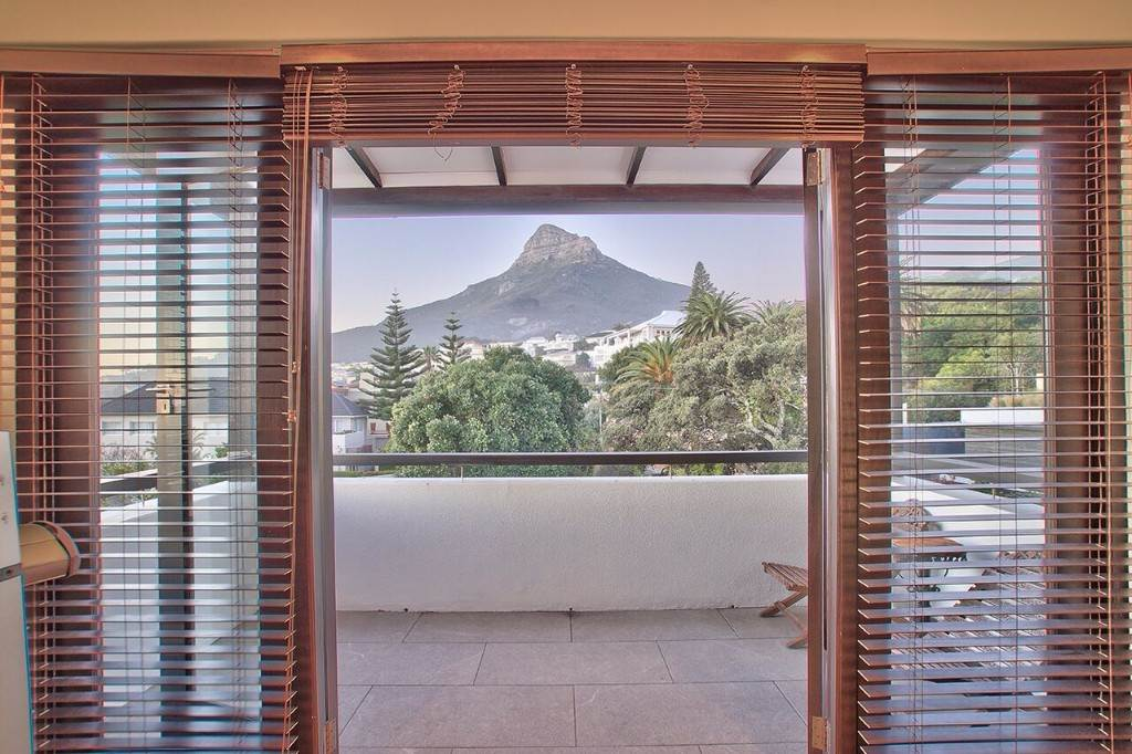 Camps Bay property to rent. Ref No: 13506840. Picture no 36