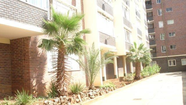 Property and Houses for sale in Pretoria Central, Apartment, 2 Bedrooms - ZAR 360,000