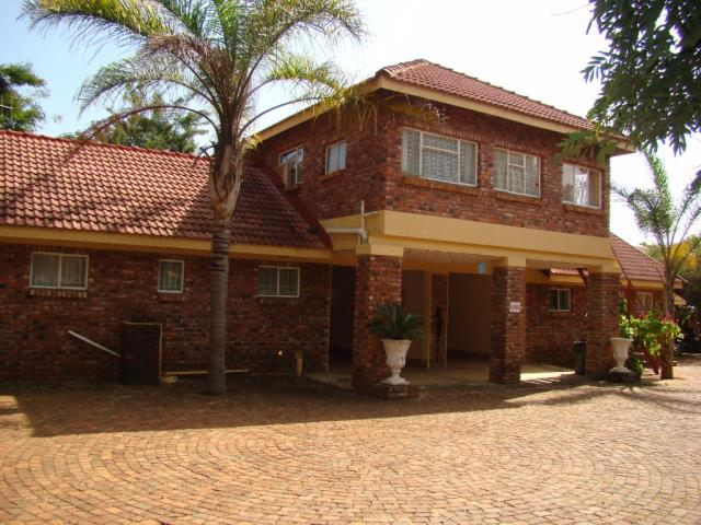 3 BedroomGame Farm Lodge For Sale In Louis Trichardt