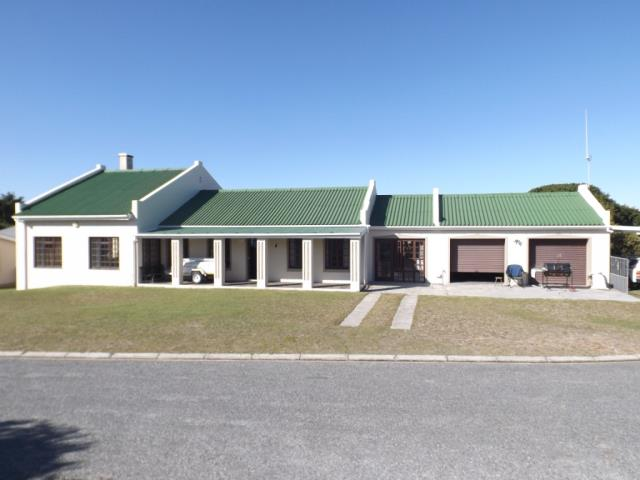 3 BedroomHouse For Sale In Kleinbaai