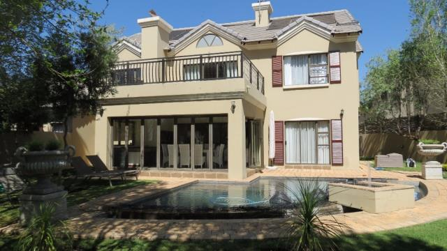 Property and Houses for sale in Willow Acres Estate, House, 4 Bedrooms - ZAR 3,850,000