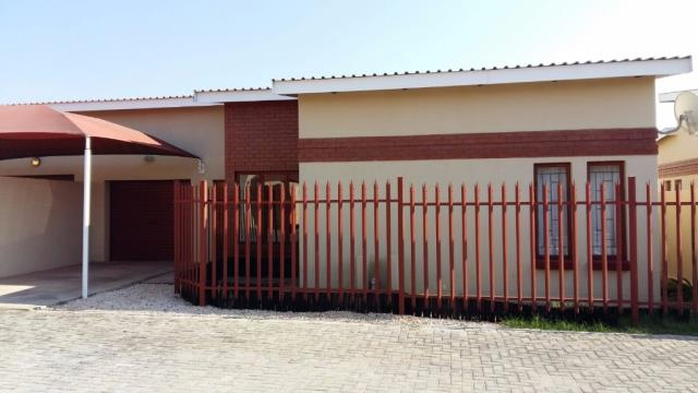 2 BedroomTownhouse For Sale In Bendor