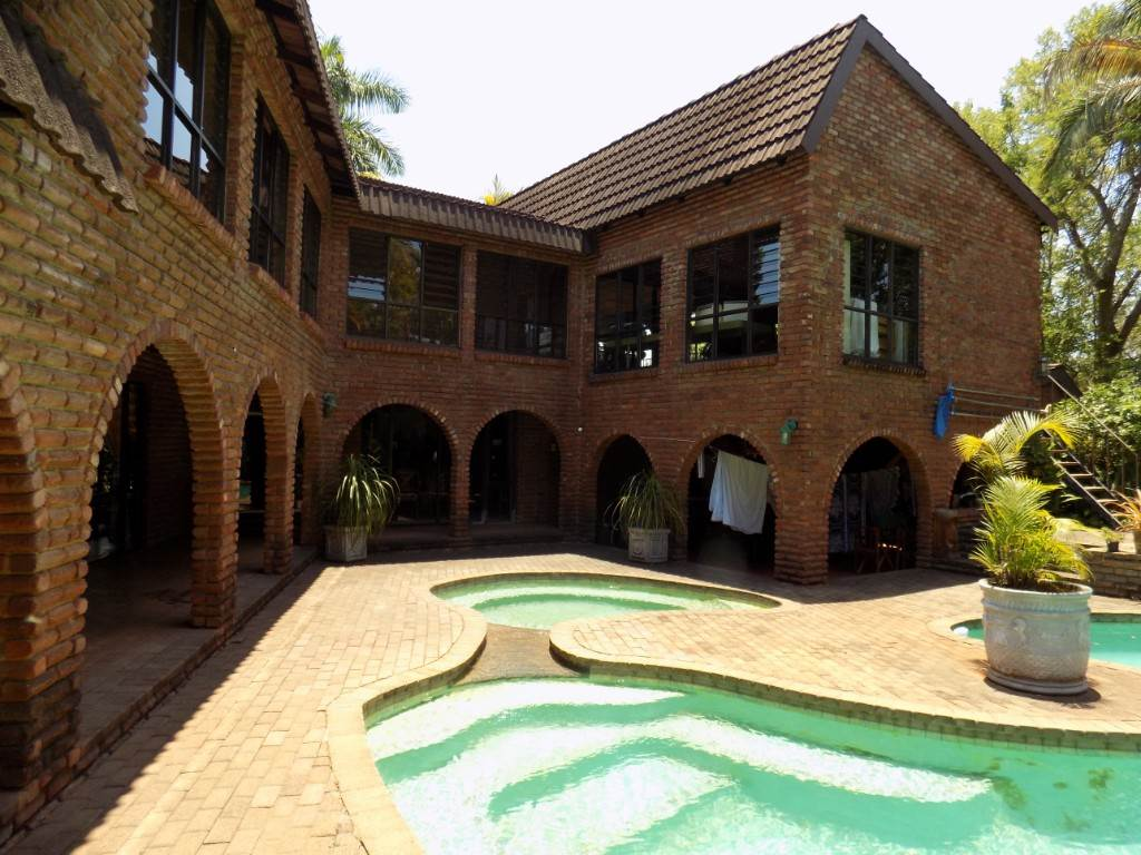 8 BedroomHouse For Sale In Aquapark