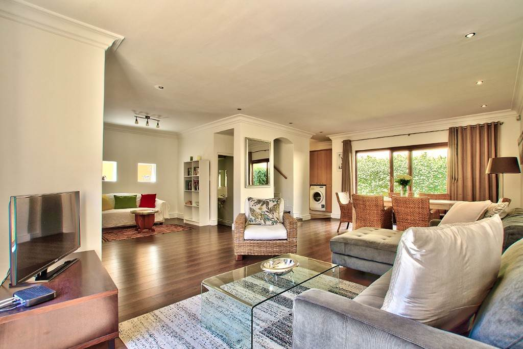 Fresnaye property to rent. Ref No: 13475558. Picture no 7