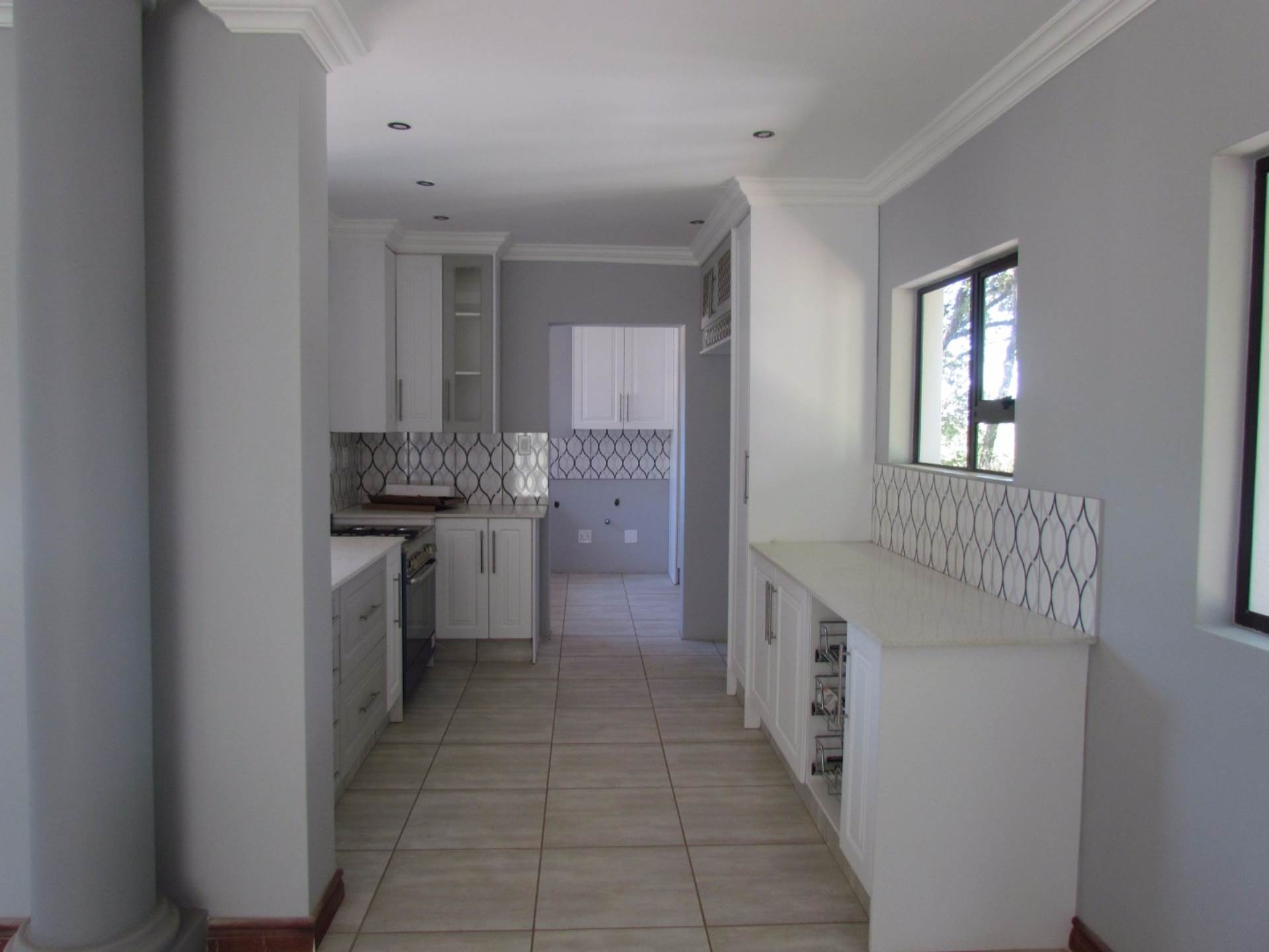 Property and Houses for sale in Monument Park, House, 3 Bedrooms - ZAR 2,650,000