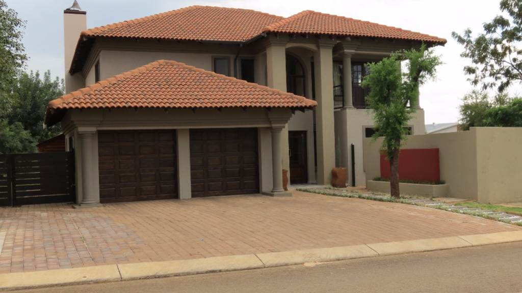 Silver Woods Country Estate property for sale. Ref No: 13534792. Picture no 30