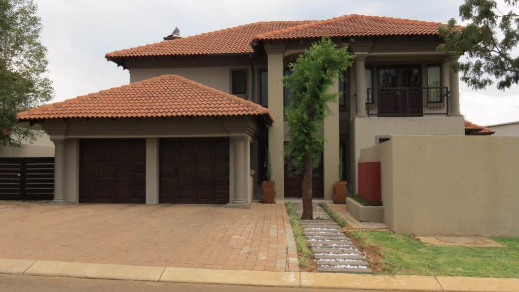 Property for Sale by Susan van Schalkwyk, SILVER WOODS COUNTRY ESTATE, House 4 bedrooms property for sale Price:3,200,000